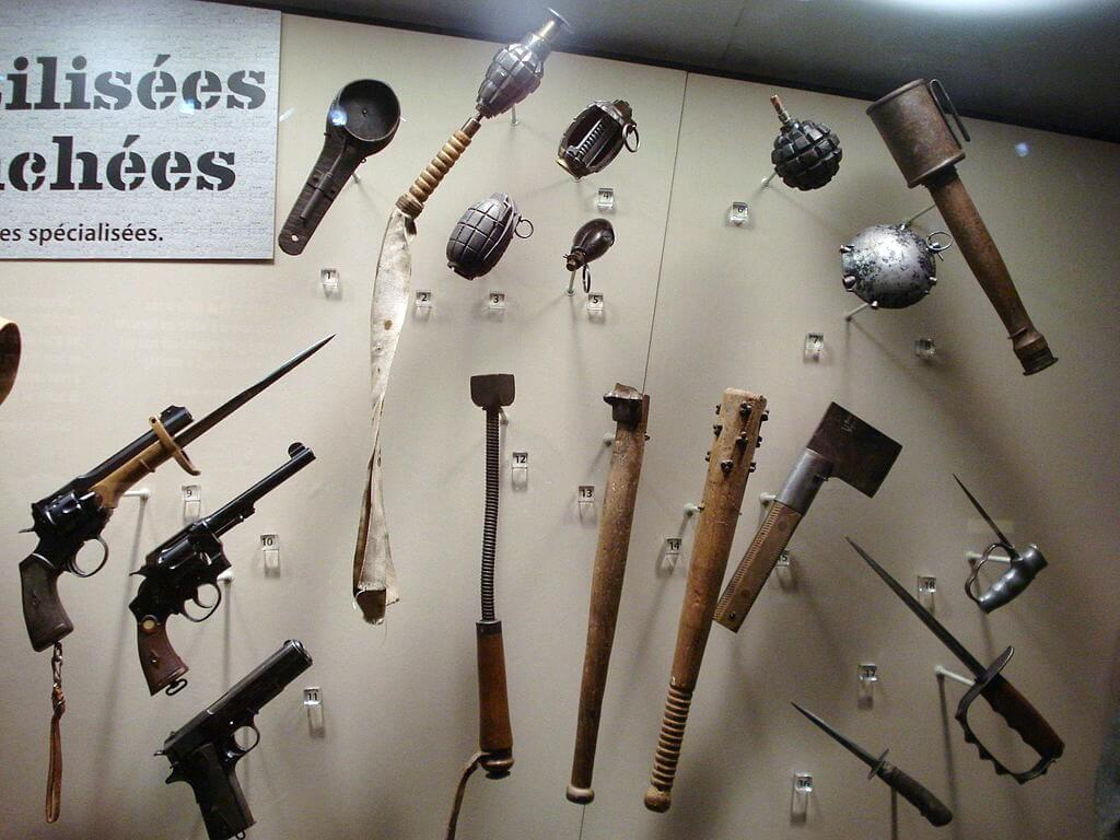 trench-weapons-used-by-british-and-canadian-soldiers-in-wwi-on-display-at-the-canadian-war-museum-in-ottawa.jpg