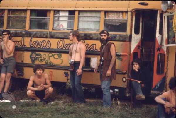 Hog Farm Bus.jpg