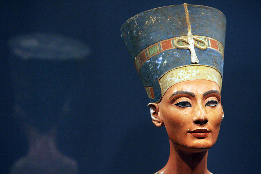 queen nefertiti.jpg